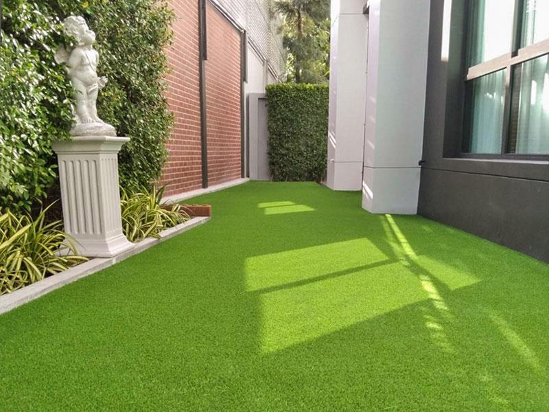 ไอเดียแต่งบ้านด้วยหญ้าเทียมสวย
